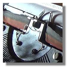 [Foto:schreibmaschine-papier.jpg]